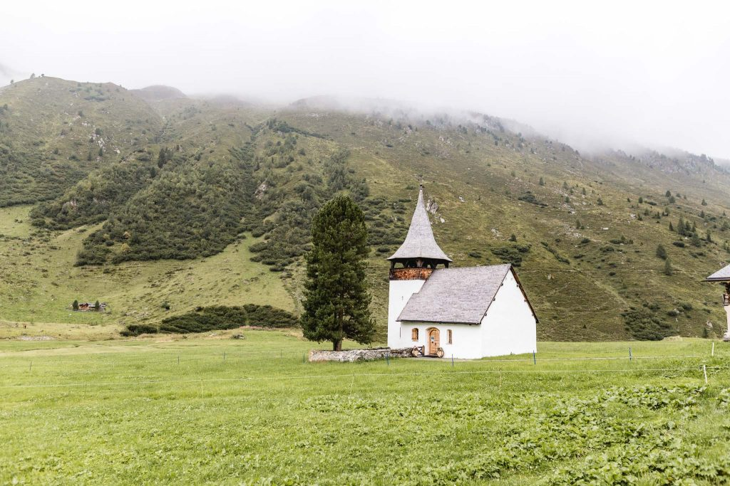 19 Beautiful Churches in Switzerland for Your Wedding